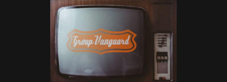 Televisore con logo Group Vanguard sullo schermo